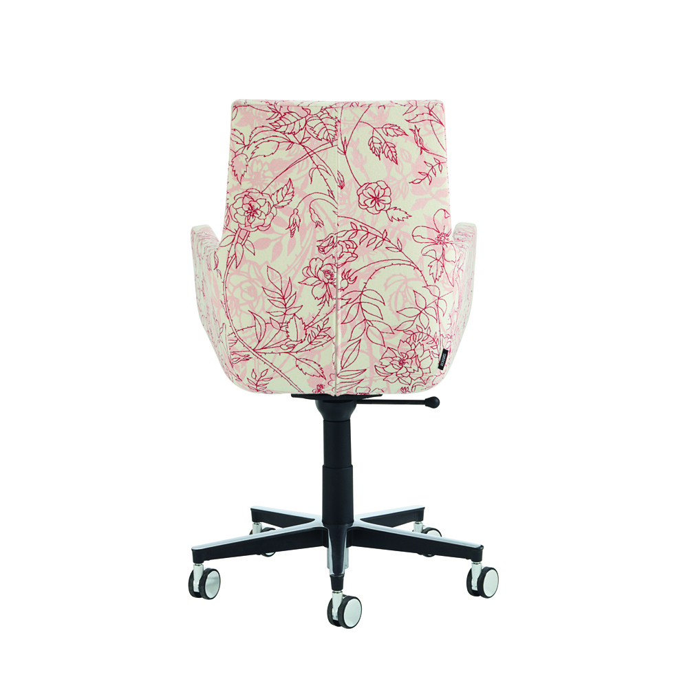 Hightower Happy Conference Floral Back 5X3 300Dpi